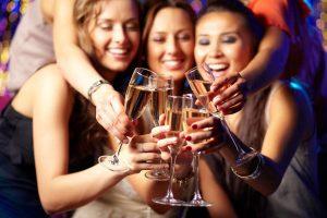 vrouwen met bubbles